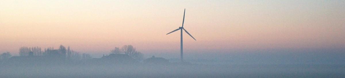 cropped-molen in mist.jpg